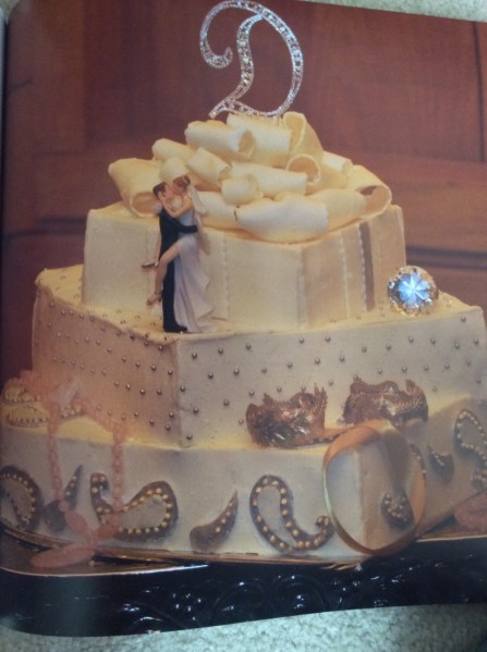 Box cake with diamonds and couple