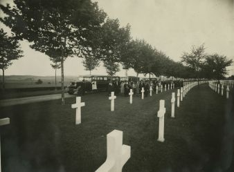 """Original Caption: """"A group of Pilgrims from Party """"T"""" arriving at the Aisne-Marne American Cemetery, France."""" Local ID: 92-GS-2-123."""