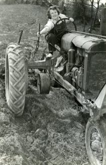 """""""Mrs. Allie Messer of Montgomery County, MD, will do a man's part in getting her husband's land in shape for planting food for Victory crops."""" Date Taken: April 1942. (Local ID: 16-G-158-1-N3862)"""