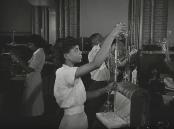 Students in a Howard University chemistry class during World War II.