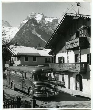 The Bookmobile Arrives at Lofer (306-CS-1B-12) https://catalog.archives.gov/id/23932339