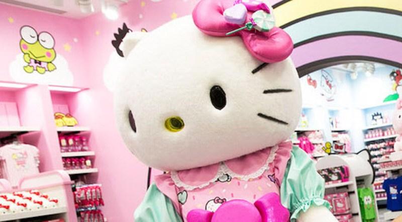 Hello-Kitty-7-Close