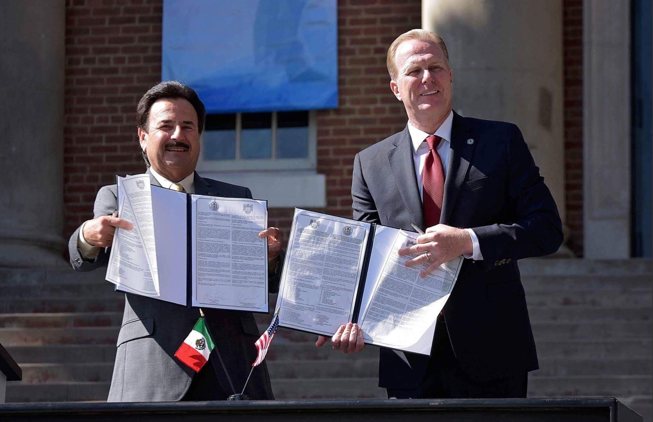 Mayors Of San Diego And Tijuana Sign Symbolic Pact Usd Student Media