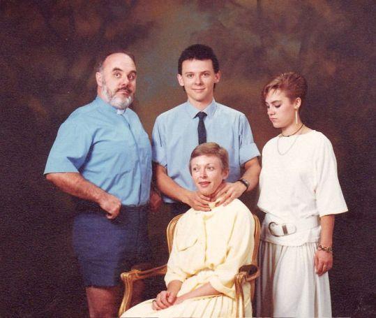Strange family 3