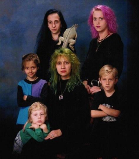 Strange family 9
