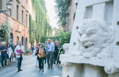5 Passeggiando in Via Margutta