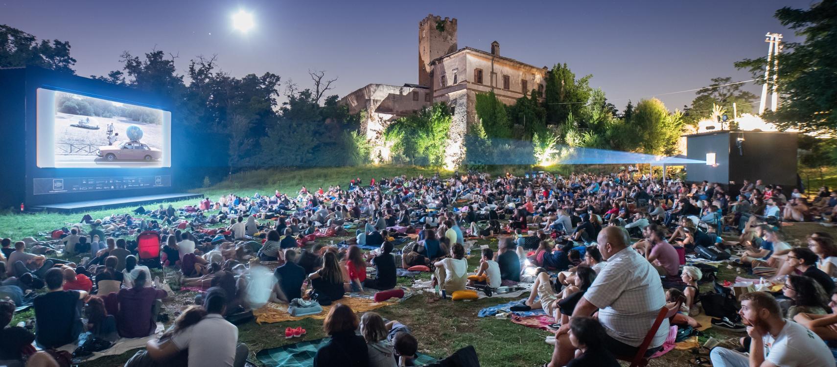 Cinema in Piazza