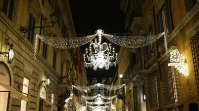 Natale, via dei Condotti si illumina con i personaggi di Cartoon Network e Boomerang