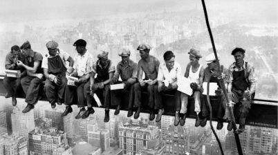 Lunch atop a Skyscraper: la vera storia del pranzo in cima a un grattacielo di New York
