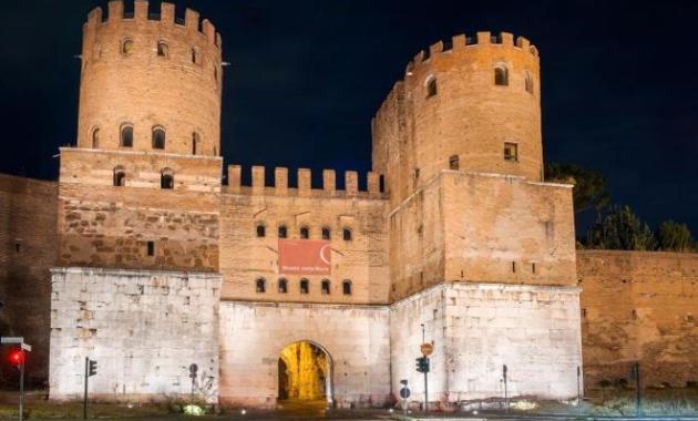 Porta San Sebastiano, una nuova illuminazione artistica per una delle porte più importanti di Roma