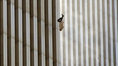 La vera storia di The Falling Man, foto simbolo dell'11 settembre 2001