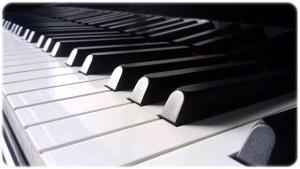 piano-eye-catching