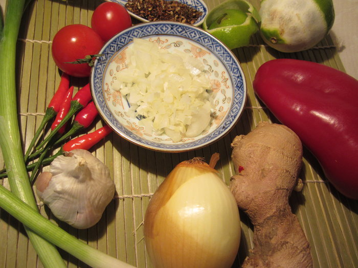 heute gibts moo nam tok thai salat heute gibts. Black Bedroom Furniture Sets. Home Design Ideas
