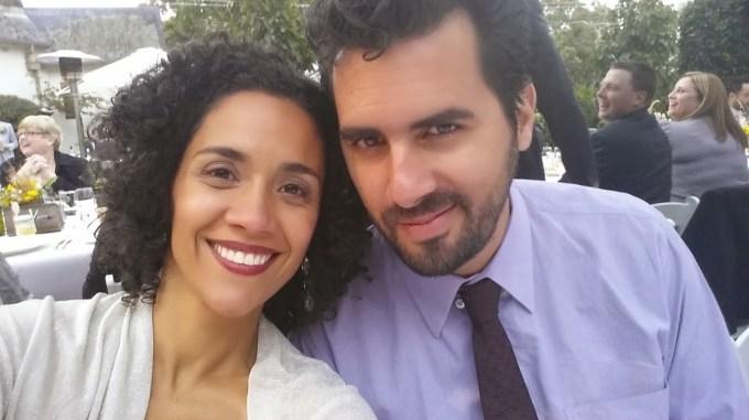 Foi uma delícia o casamento, mas bem diferente dos casamentos do Brasil. O povo custou a levantar pra dançar.
