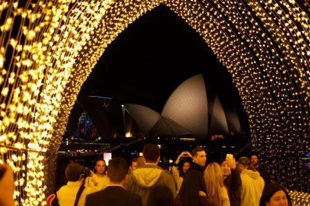 Também na Vivid com Opera House ao fundo.