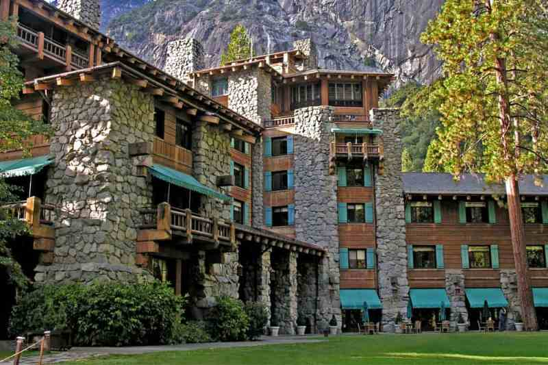 Yosemite Valley Hotels - the Ahwahnee Hotel