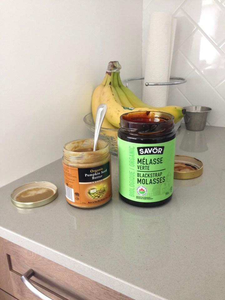 Iron-rich vegan snack ideas