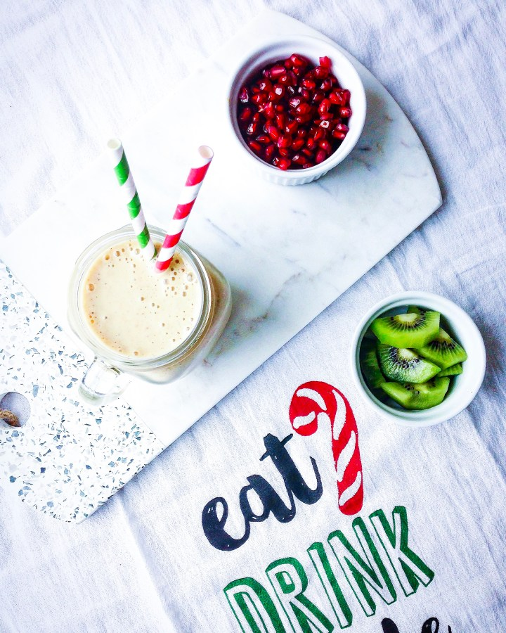 Vegan eggnog smoothie: a very healthy variation on a traditional favourite!
