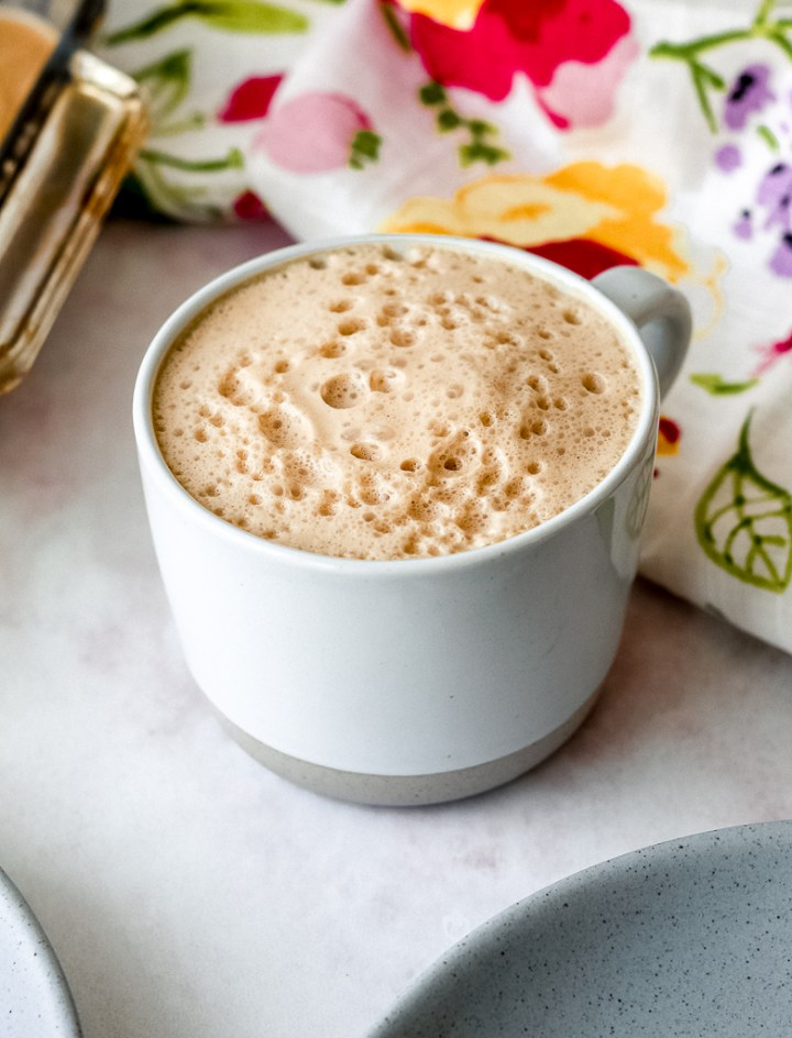 straight on shot of the white chocolate snickerdoodle latte in a mug
