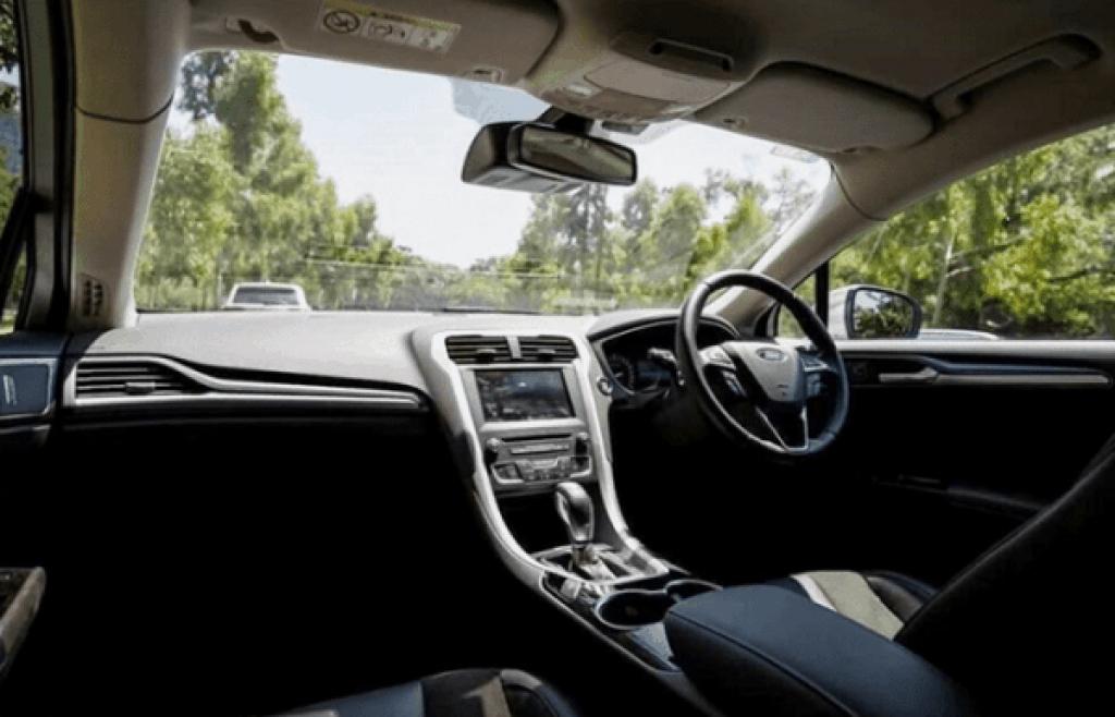 2021 Ford Thunderbird Interior