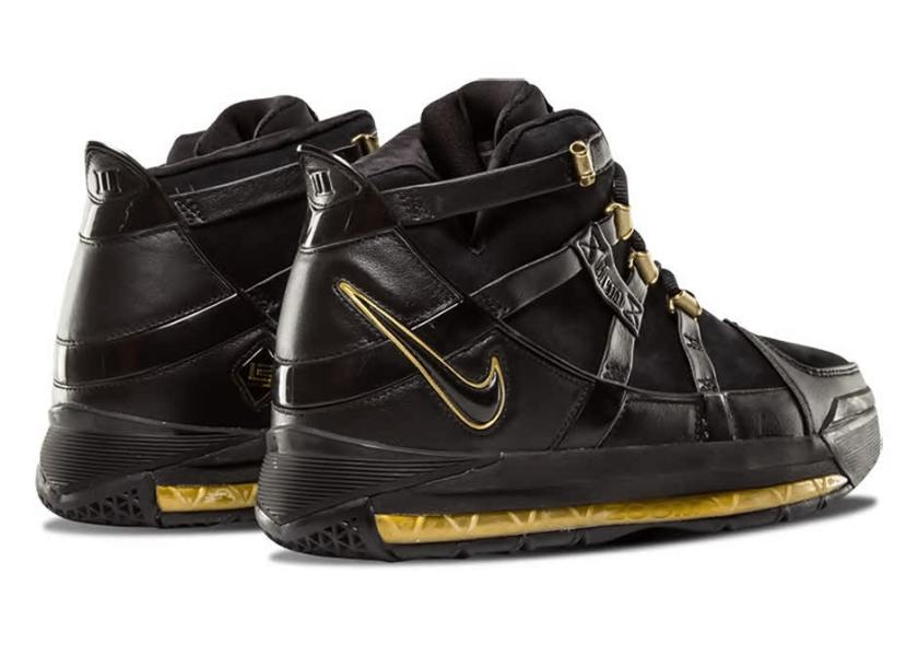 Nike Zoom LeBron 3 with gold hits