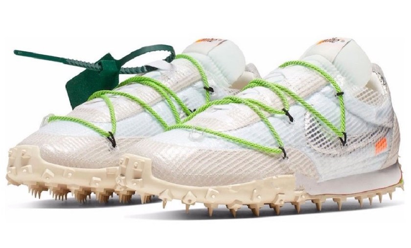 Nike WMNS Waffle Racer White with Incredible design