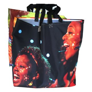 upcycle shoppin gbag made from billboard banner material