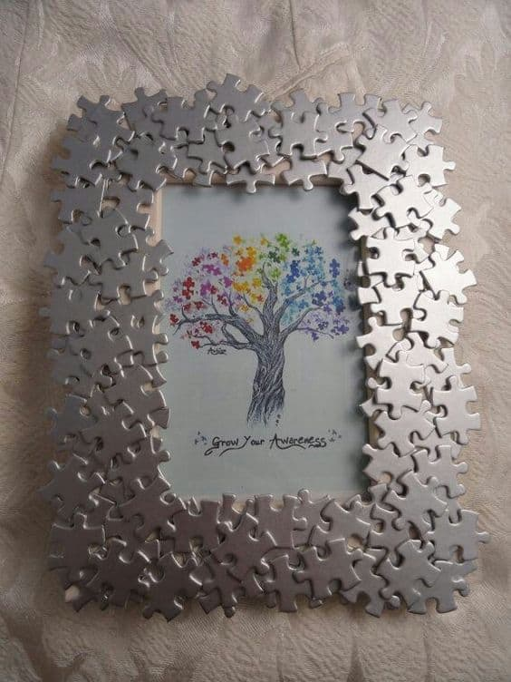 upcycled jigsaw pieces photo frame