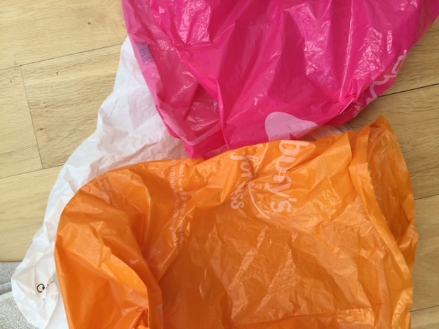 plastic carrier bags upcycled dish scrubber