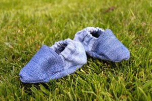 baby shoes made from old jeans tutorial