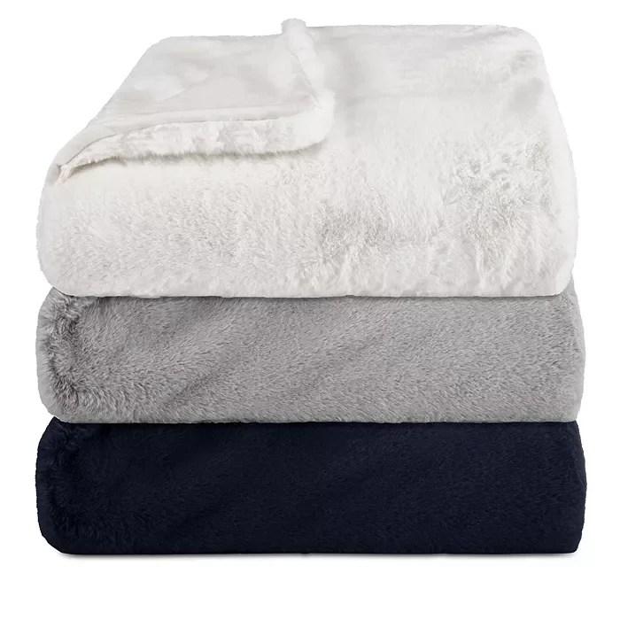 Lapin Throw Blanket