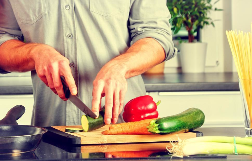How Men Over 40 Can Choose the Right Diet For Their Body Type