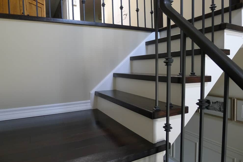 15 Truly Beautiful Examples Of Wood Stairs With White Risers | Painted Risers On Stairs | Flair | Painting | Stained | Basement | Hardwood