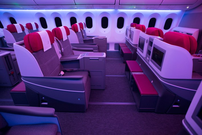 LATAM business class Dreamliner