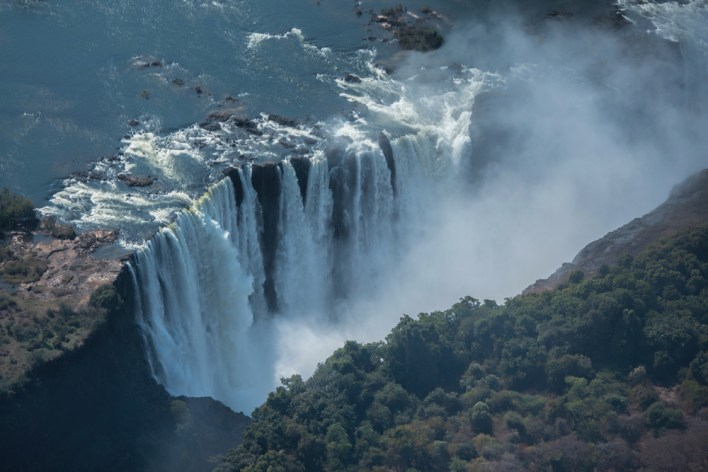 fly to Victoria Falls with flying blue miles
