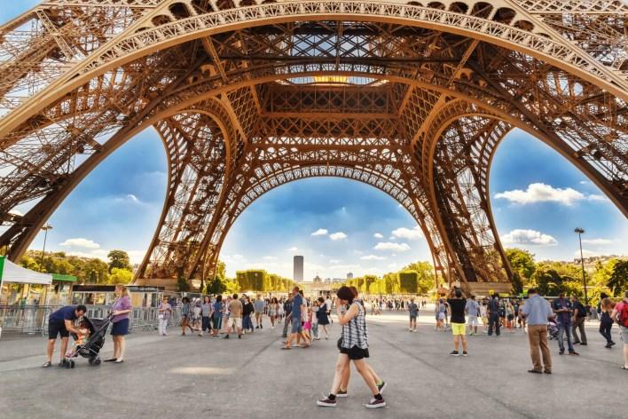 Delta travel Paris