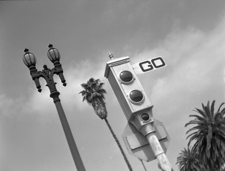 Traffic_Signal_and_Streetlight