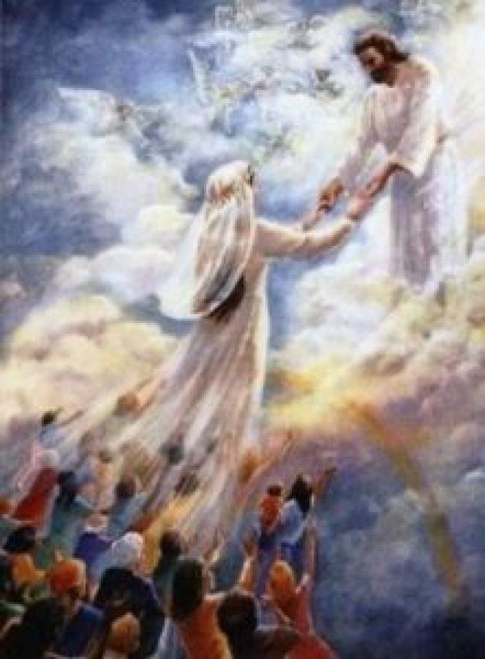 """她悄声告诉妈妈:""""今天,我遇见了上帝。""""这是她初次遇见主耶稣"""