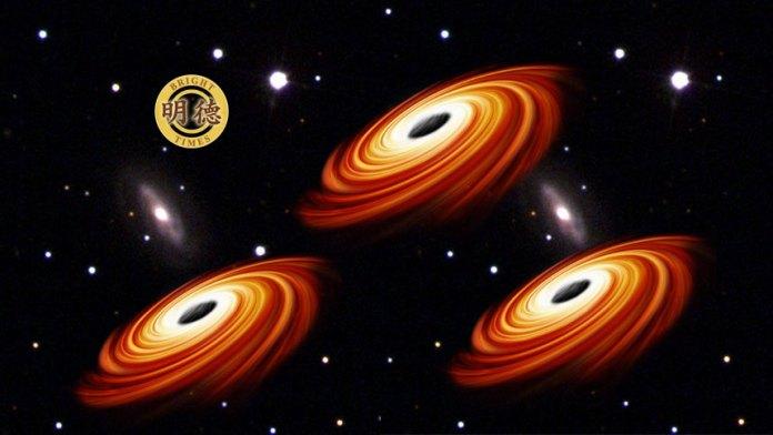 《天体物理学杂志》:超大质量黑洞在星系中漫游?(明德合成)