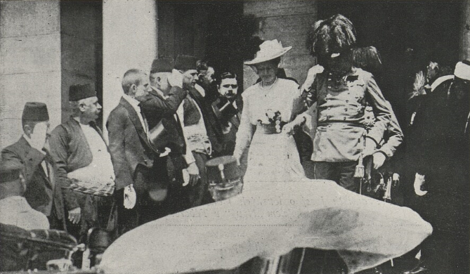 File:Archduke Franz with his wife.jpg