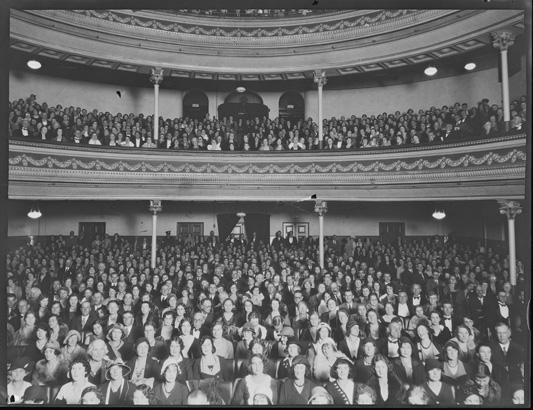 English: An audience in His Majesty's Theatre ...