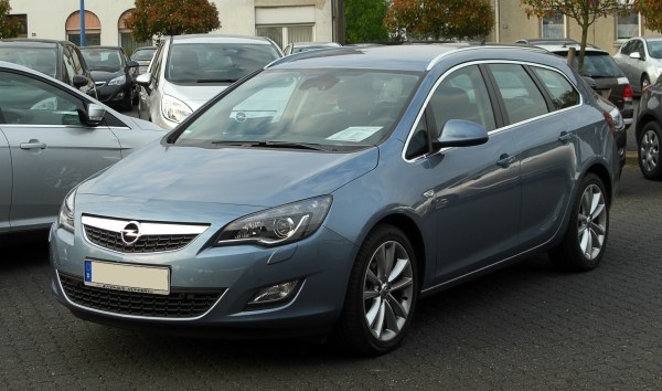 File:Opel Astra Sports Tourer 1.4 Turbo ECOTEC Sport (J ...