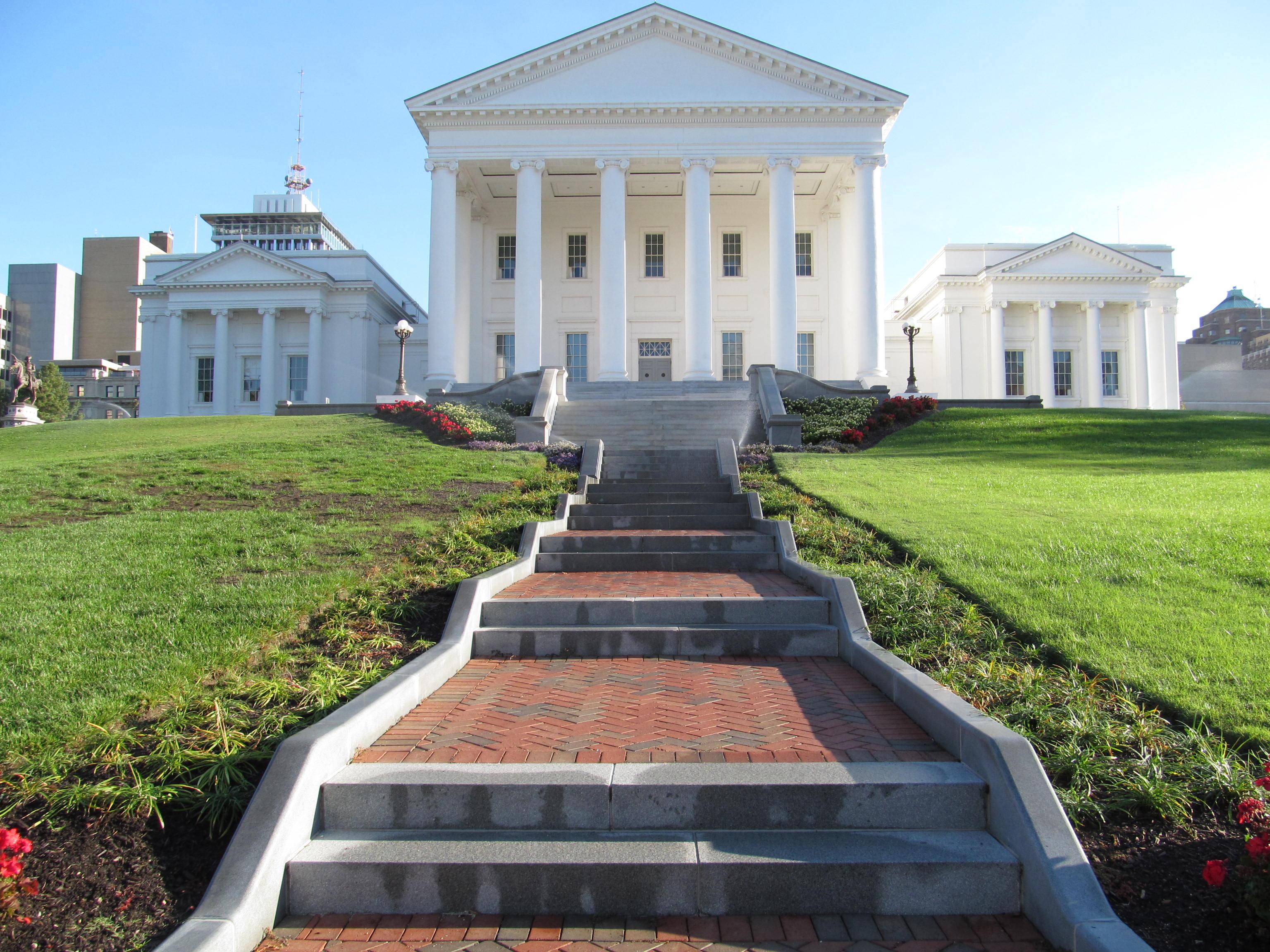 File Virginia State Capitol