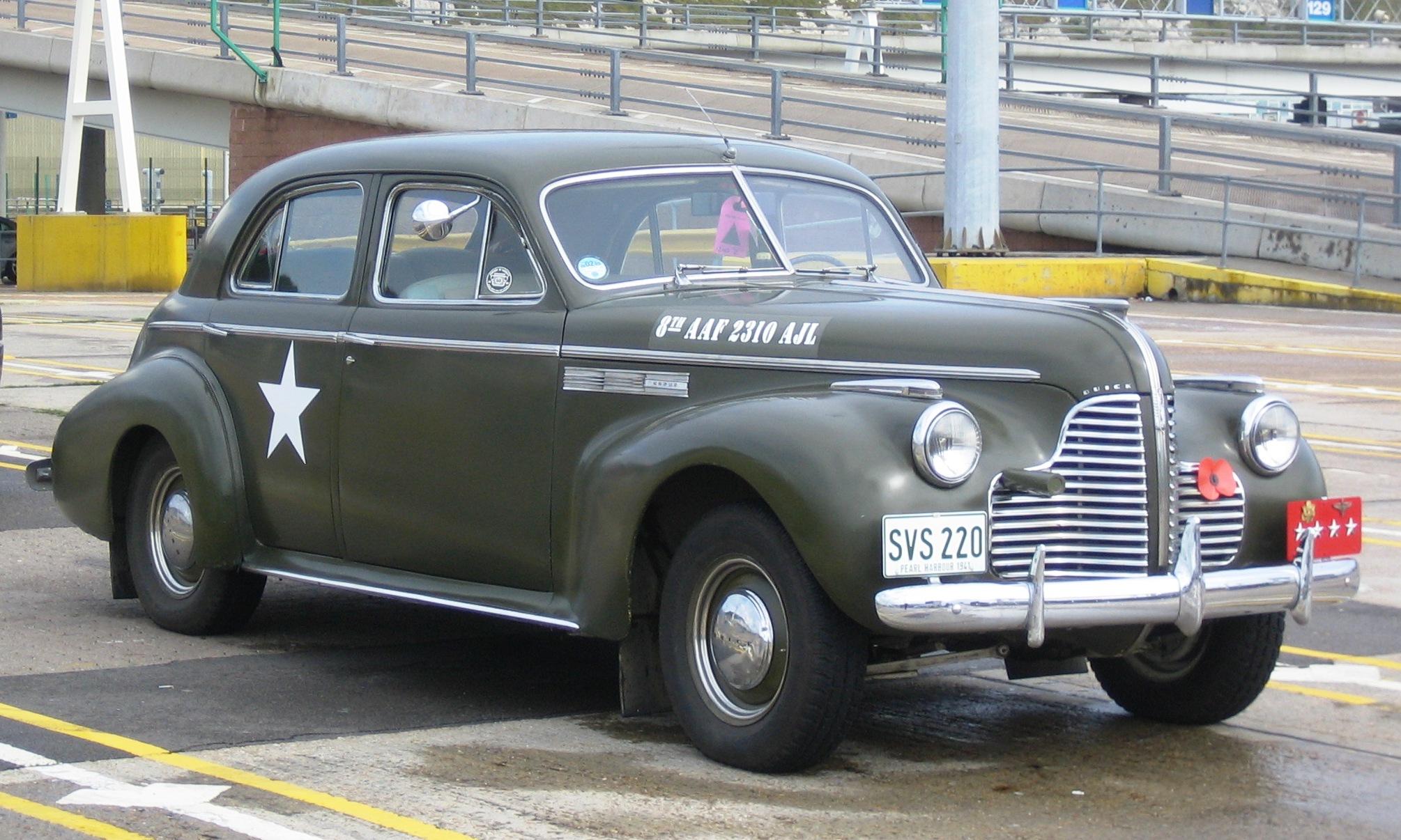 1940 Pontiac Streamliner 1948 Silver Streak