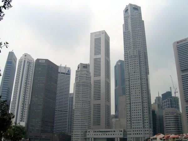 https://i1.wp.com/upload.wikimedia.org/wikipedia/commons/0/04/Singapore_skyscrapers_03.jpg?resize=600%2C450&ssl=1