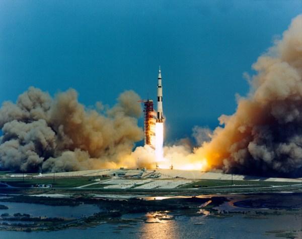 Сурет:Apollo 16 lift-off.jpg — Уикипедия