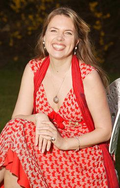 Publicity photograph of Isabel Losada.