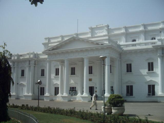 File:Quaid-e-Azam Library in Jinnah Garden.jpg