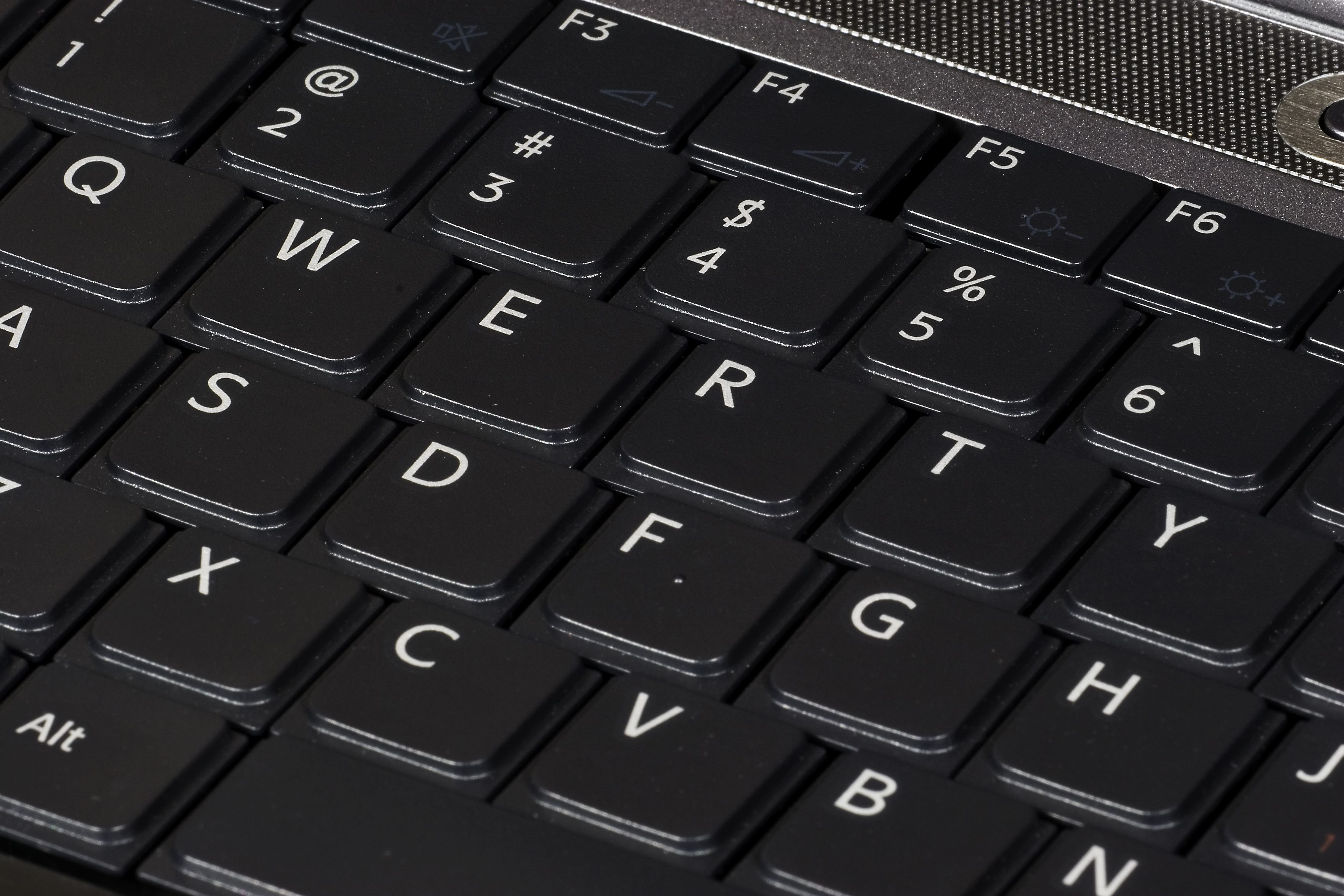 English: QWERTY keyboard, on 2007 Sony Vaio la...