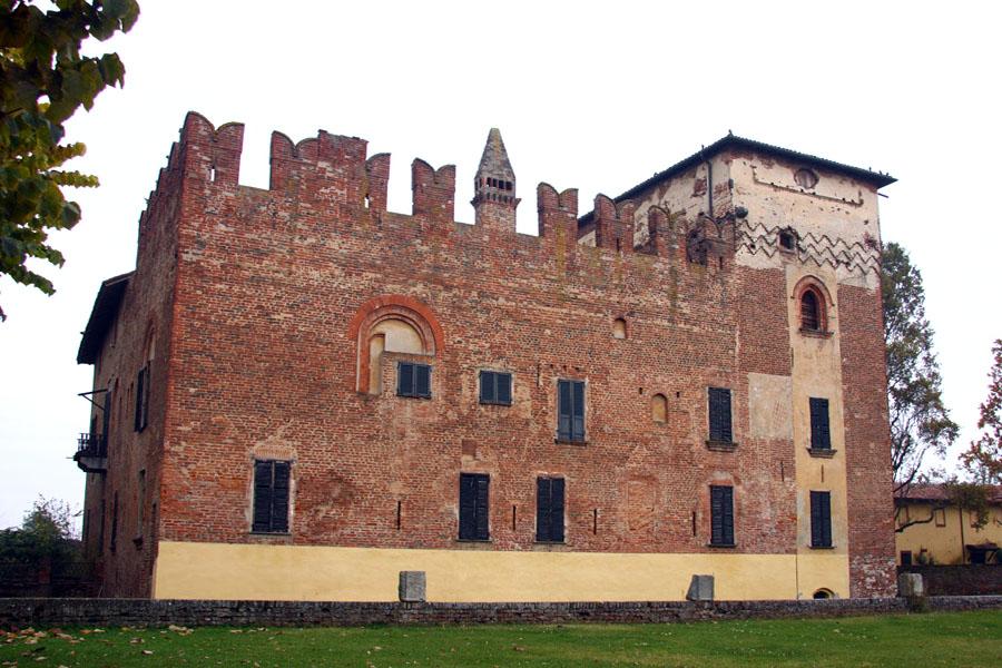 Cozzo ma che bel castello - Finestre castelli medievali ...